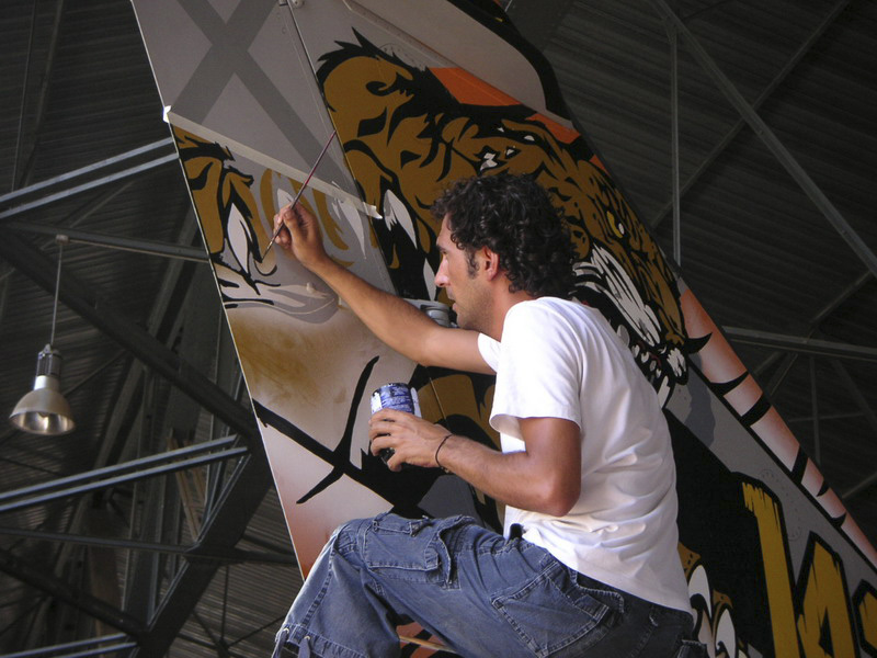 pintando-Mirage-F1-tiger-meet-2006